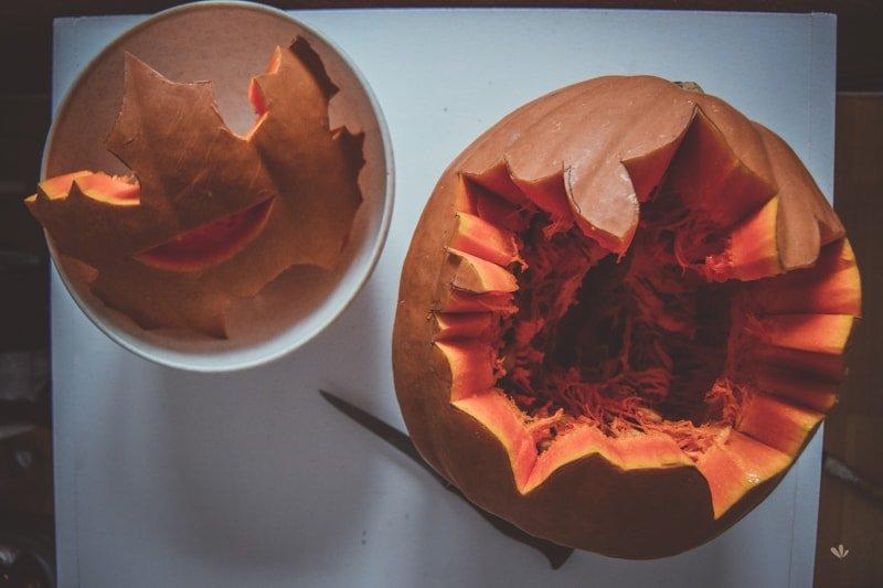 Jesenny_svietnik_z_tekvice