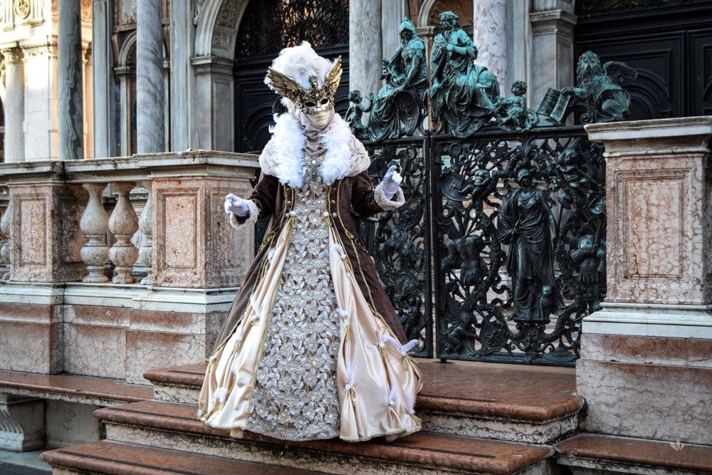 Venice_mask-min