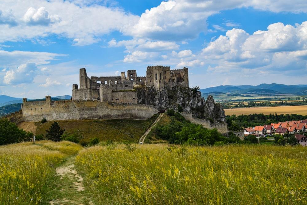 hrad_beckov