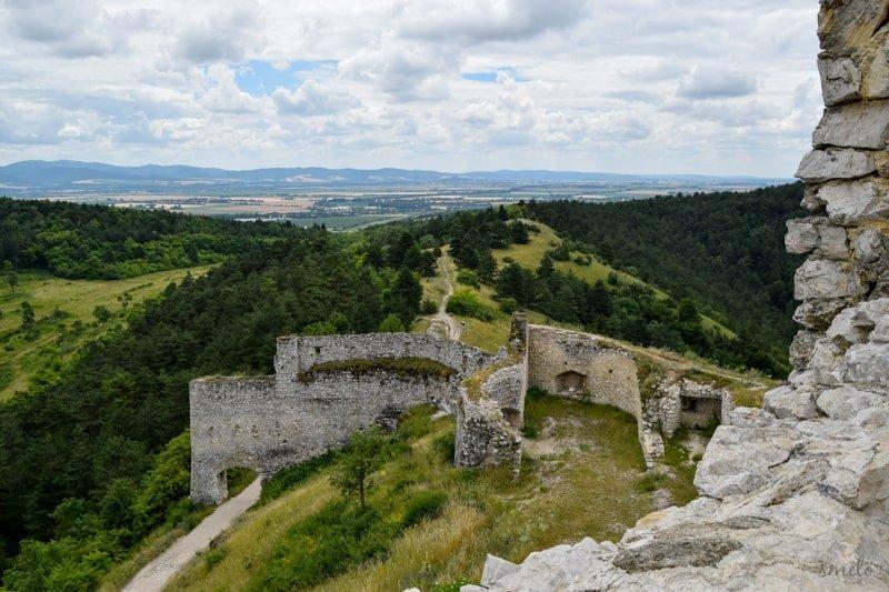 cachticky_hrad_pri_novom_meste_nad_vahom